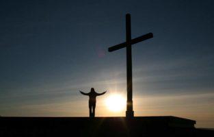 65 frases de Deus inspiradoras para você pensar e compartilhar