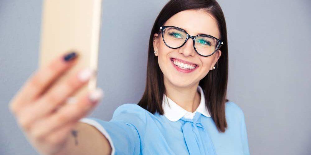 82 frases para foto sozinha para legendar suas selfies