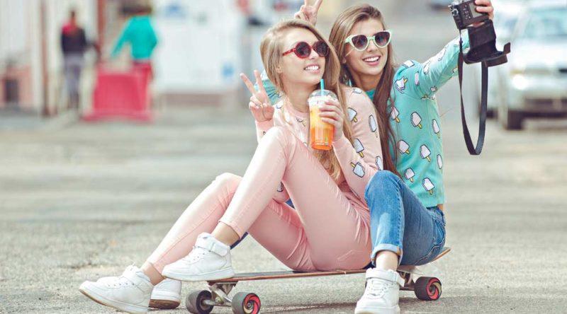 60 legendas para fotos com amigas para enaltecer essa linda relação