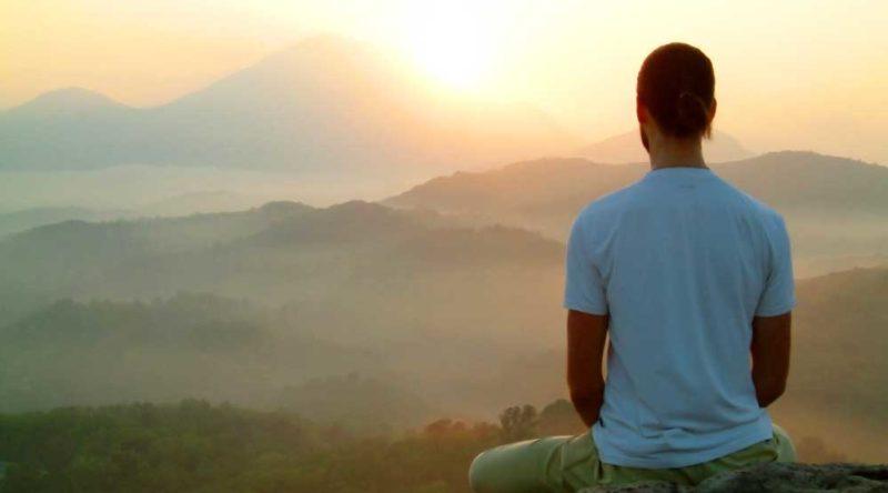 Olhe dentro de si mesmo e reflita através destas 47 frases budistas