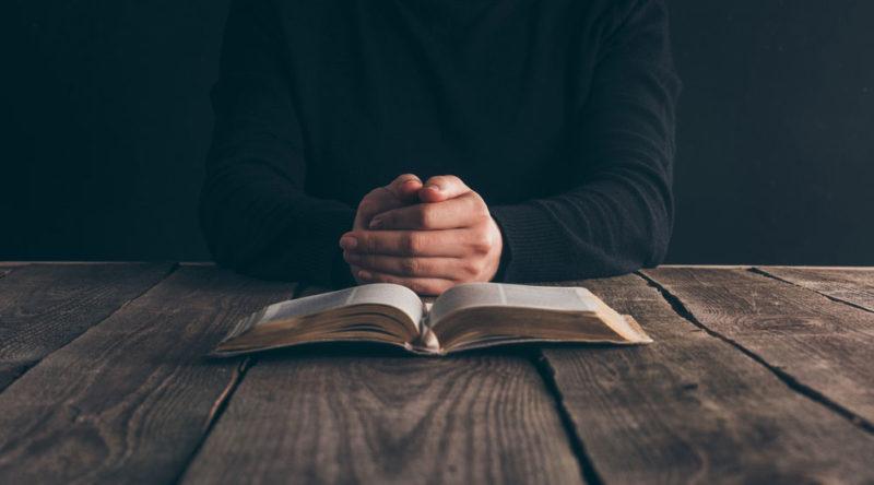 Celebre o amor de Jesus Cristo por nós com estas 72 frases cristãs