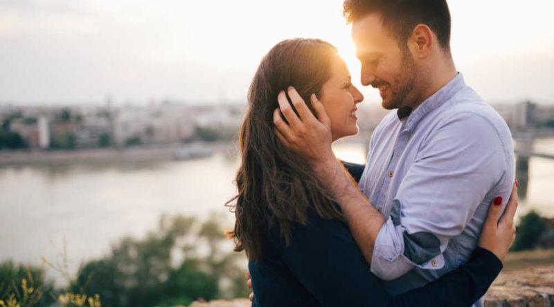 Declare seu amor hoje e sempre com estas 50 frases de amor para esposa