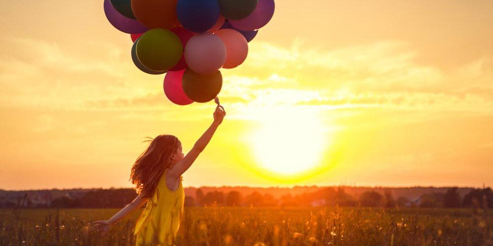 49 frases de felicidade para status para compartilhar sua alegria de viver