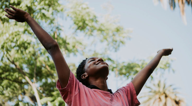 60 frases good vibes que com certeza vão elevar o seu astral